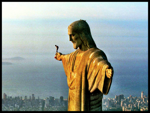 Felix Baumgartner prepares to jump from Christ the Redeemer in Rio.  photo: Red Bull Content Pool
